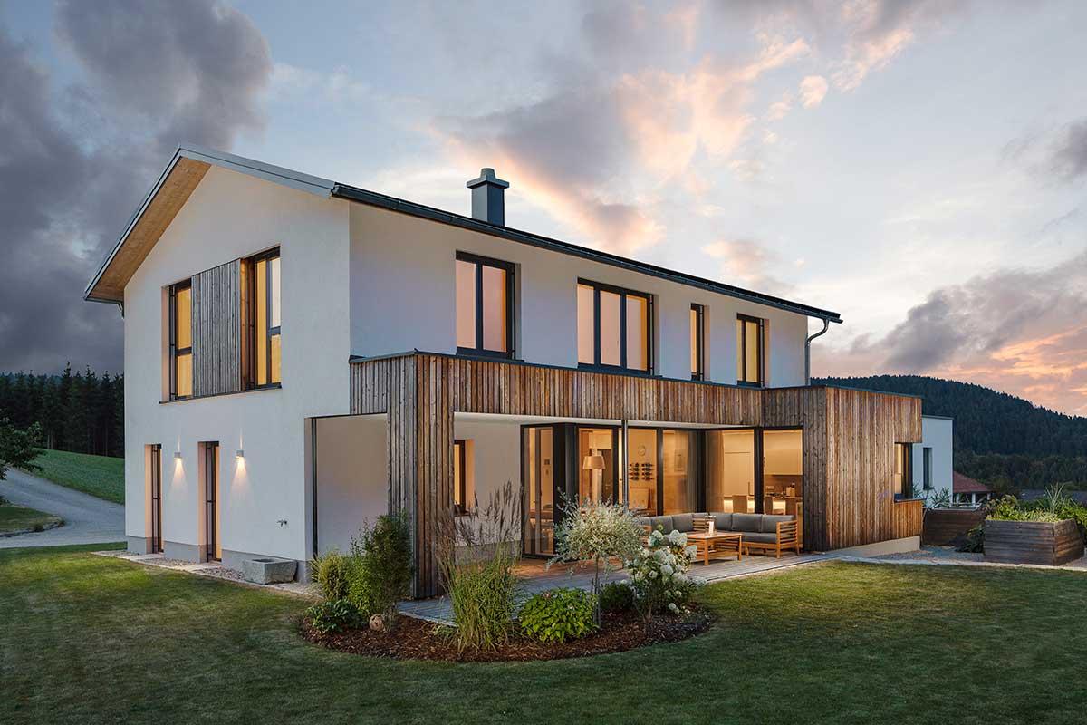 Buchner Haus Dämmerung Holzhaus