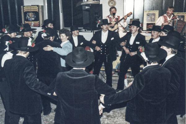 Buchner 10 Jahre Jubiläum Tanz